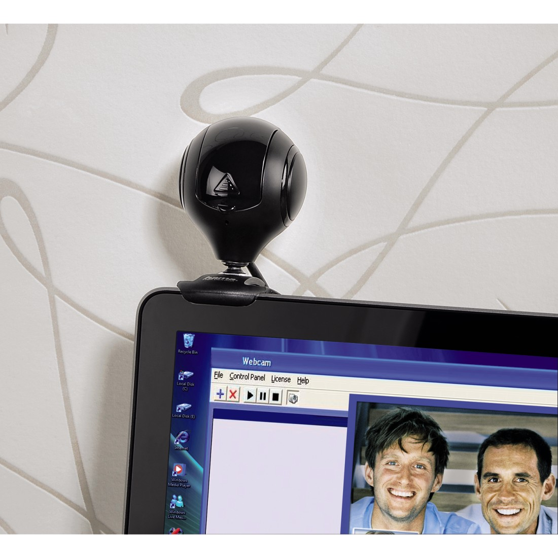 "awx2 High-Res Appliance 2 - Hama, ""Spy protect"" HD Webcam"