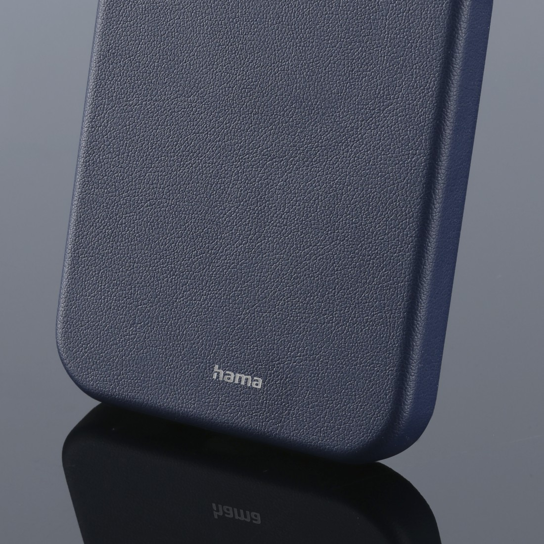 "dex3 High-Res Detail 3 - Hama, Cover ""MagCase Finest Sense"" voor Apple iPhone 12/12 Pro, blauw"